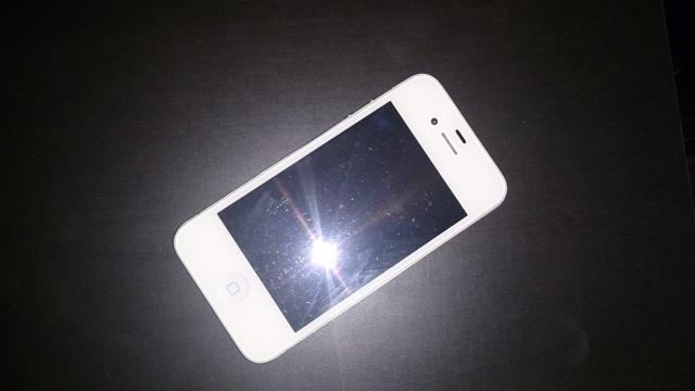 Daiktas iphone 4 white